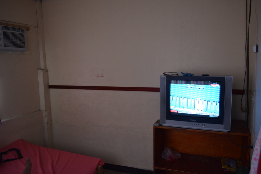additional perks: TV and aircon!