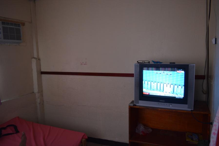 additional perks: TV and aircon!