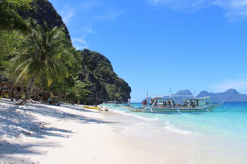 Favorite Destinations Around the Philippines from Travel Bloggers - El Nido | Hey, Miss Adventures!