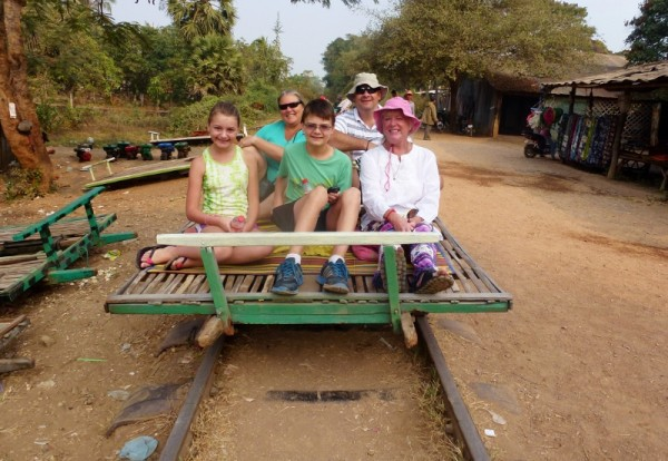 Families Outside: An Interview with Wagoners Abroad || heymissadventures.com