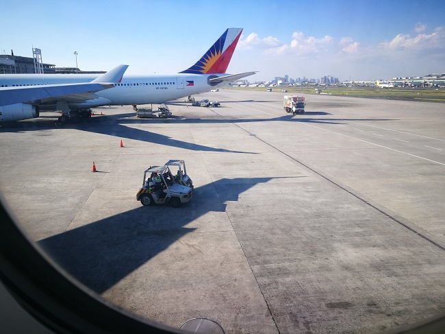28 Hours in Manila: Crunchy Mommy-ing, All Alone